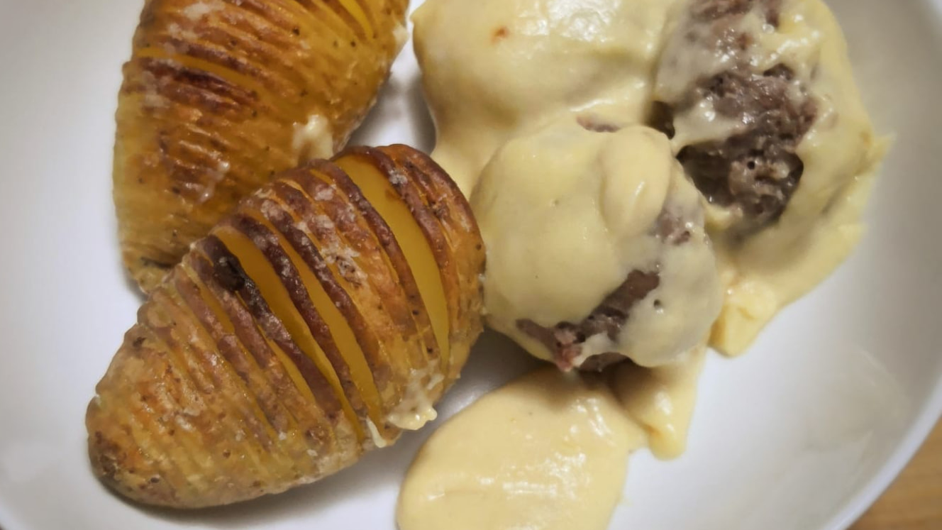 Roasted-Potatoes-and-Meatballs-with-Gravy-cover